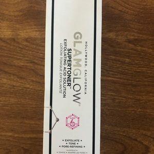 Glam glow super toner acid solution